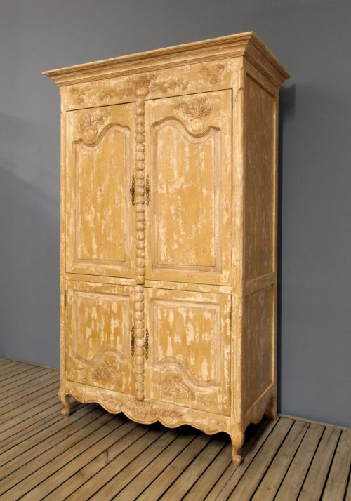 Crackle Armoire 42-16-50 Side